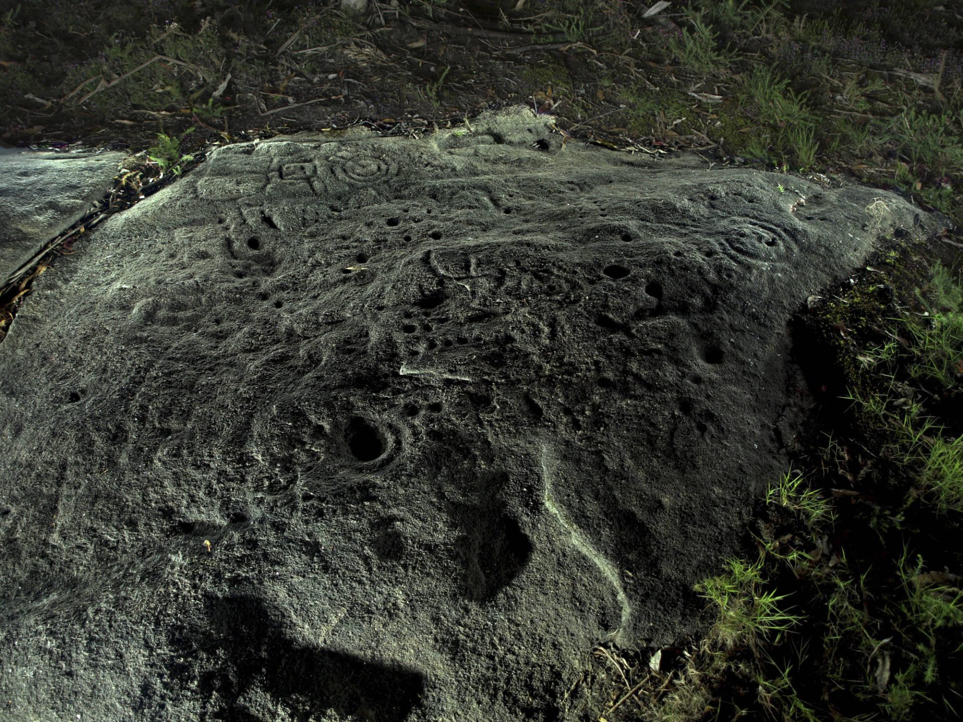 Vista xeral nocturna da Pedra Mencía. ©Colectivo a Rula.